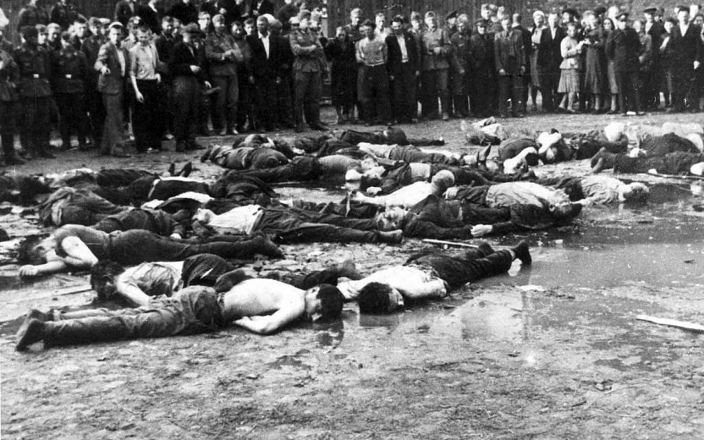 Après le massacre de Kovno en Lituanie (ou à Kaunas) en juin 1941, perpétré par des Lituaniens pro-allemands (domaine public)
