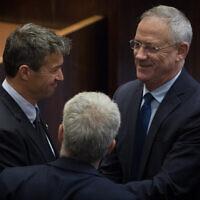 Le député de Kakhol lavan Yoaz Hendel au parlement israélien le 13 mai 2019, lors de la séance plénière. (Photo par Noam Revkin Fenton/Flash90)
