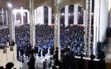 Capture d'écran d'une vidéo montrant des centaines d'ultra-orthodoxes lors d'une mariage à Jérusalem, en contravention avec les restrictions du coronavirus, le 5 août 2020. (Capture d'écran/Douzième chaîne)