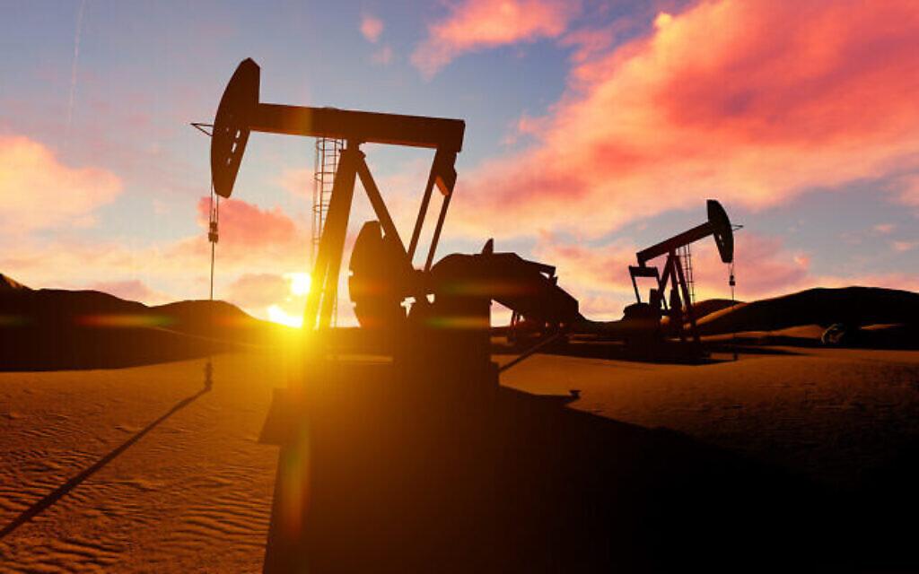 .Photo d'illustration : Un champ de pétrole dans le désert (Crédit : solvod; iStock by Getty Images)