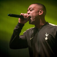 Wiley chante à lors de l'événement O2 Academy Brixton, le 2 mars 2018 (Crédit : Ollie Millington/Redferns/Getty Images via JTA)