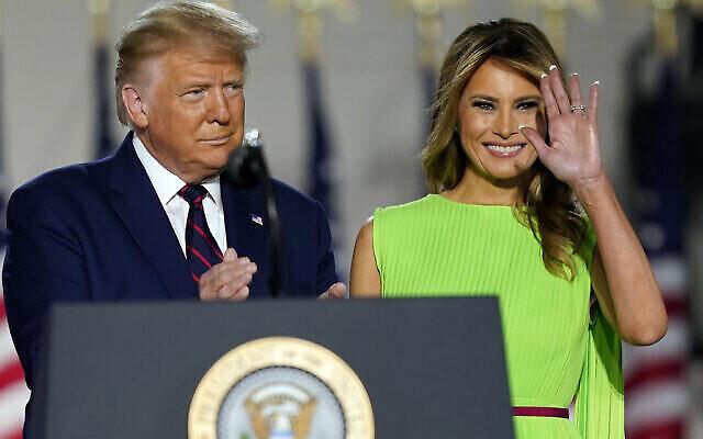 Le président Donald Trump et son épouse Melania Trump à la Maison Blanche au 4e jour de Convention nationale républicaine, le 27 août 2020, à Washington. (AP/Evan Vucci)