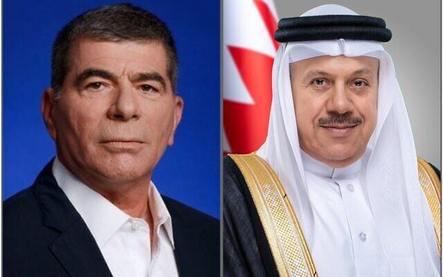 Le ministre des Affaires étrangères israéliens Gabi Ashkenazi et son homologue bahreïni Abdullatif bin Rashid Al Zayani, tels qu'ils sont apparus dans un tweet émis par le ministère des Affaires étrangères du Bahrein après leur premier entretien téléphonique rendu public, le 12 septembre 2020 (Crédit :  Twitter)