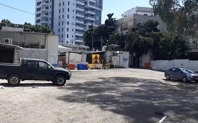 Capture d'écran d'une vidéo du lieu d'un viol présumé à Petah Tikva le 15 août 2020. (Ynet news)