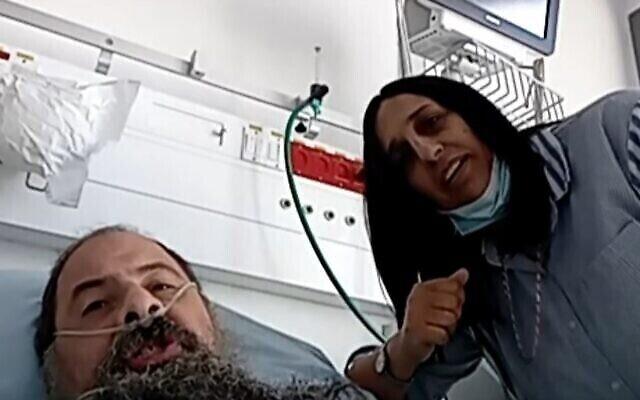 Asher Biton et son épouse Rivka (R) s'entretiennent avec la Treizième chaîne, le 25 septembre 2020 (Capture écran)