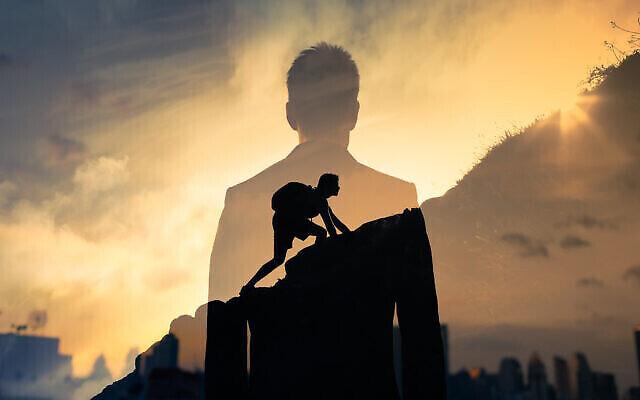 Gravir les marches du succès. (kieferpix; iStock by Getty Images).
