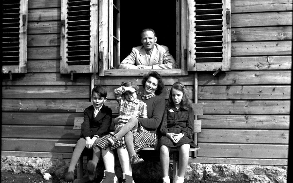 Otto von Wachter avec sa famille en Autriche pendant l'été 1948. (Avec l'aimable autorisation de Horst Wächter)