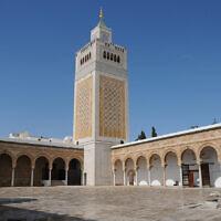 Minaret de la mosquée Zitouna, à Tunis, en Tunisie. (Crédit : Citizen59 / CC BY-SA 3.0)