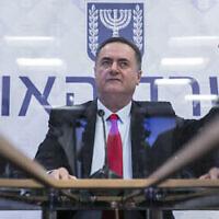 Le ministre des Finances Israel Katz lors d'une conférence de presse au ministère des Finances à Jérusalem, le 1er juillet 2020. (Olivier Fitoussi/Flash90)