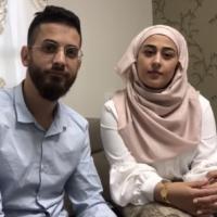 Anas et Riham Aghbaria, qui habitent Umm al-Fahm, ont décidé de donner l'argent qui était destiné à leur mariage massif à des œuvres caritatives dans le contexte de la pandémie de coronavirus.(Capture d'écran : Facebook)