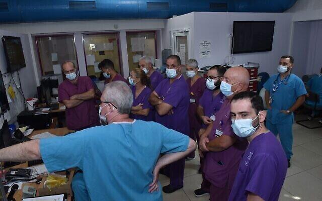 La salle de contrôle du département coronavirus du Galilee Medical Center. (Avec l'aimable autorisation du Galilee Medical Center)