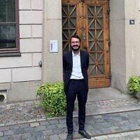Le rabbin Mattias Amster, nouveau rabbin orthodoxe de Stockholm (Crédit : John Gradowski via JTA)