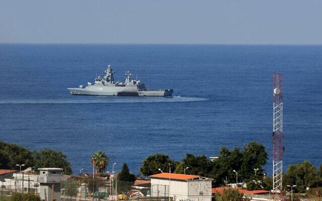 Un navire des Nations Unies dans la zone la plus au sud de Naqura, près de la frontière entre le Liban et Israël, le 14 octobre 2020. (Crédit : Mahmoud Zayyat / AFP)
