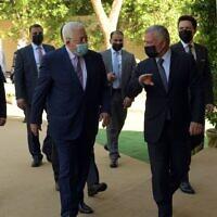 Le président de l'Autorité palestinienne Mahmoud Abbas rencontre le roi de Jordanie Abdallah II, le 29 novembre 2020. (Crédit : WAFA)