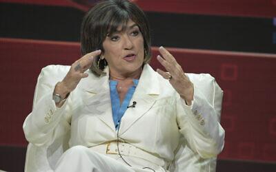 """Christiane Amanpour lors d'un panel de l'émission """"Amanpour and Co."""" pendant le  TCA Summer Press à Beverly Hills, en Californie, le 30 juillet 2018. (Crédit : Richard Shotwell/Invision/AP)"""