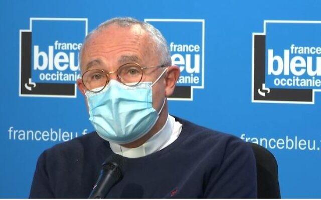 L'archevêque de Toulouse Mgr Robert Le Gall à l'antenne de France Bleu Occitanie, le 30 octobre 2020. (Capture écran Dailymotion / France Bleu Occitani)