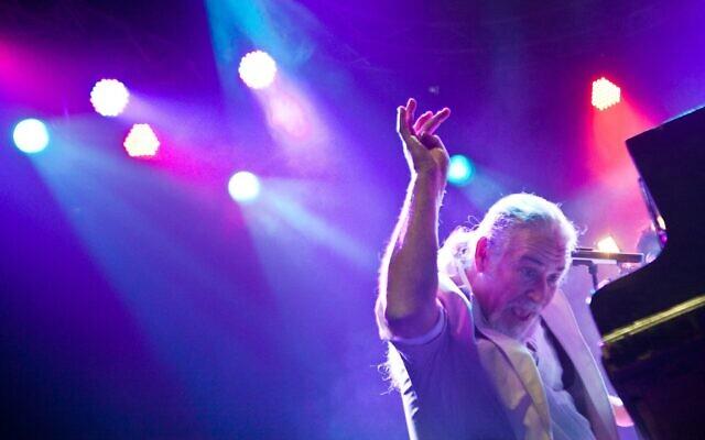 """Le compositeur Shlomo Gronich va participer au festival """"La culture ou mourir"""" de Tel Aviv, les 5 et 6 janvier 2021. (Autorisation :  Avihai Levy)"""