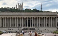 Le Palais de justice historique de Lyon, qui abrite la cour d'appel. (Crédit : Benoît Prieur / Wikimedia Commons / CC BY-SA 4.0)