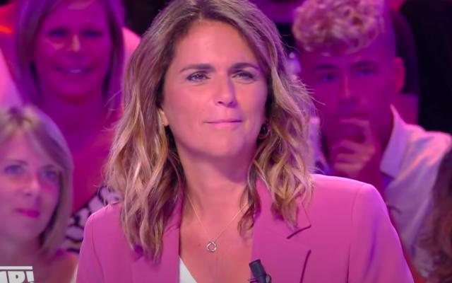 Valérie Benaïm, dans l'émission «Touche pas à mon poste», en juillet 2020. (Crédit : Capture d'écran YouTube / Touche pas à mon poste / C8)