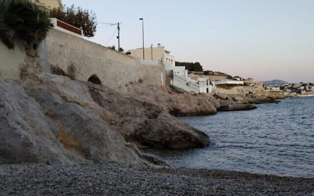 Le front de mer à Marseille (Crédit : Yaakov Schwartz/ Times of Israel)