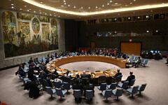 Le ministre allemand des Affaires étrangères, Heiko Maas, au centre, s'exprime devant le Conseil de sécurité de l'ONU lors d'une réunion à New York, le 6 février 2020. (Crédit : Johannes Eisele/AFP)
