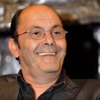 """Sur cette photo prise le 27 août 2008, l'acteur français Jean-Pierre Bacri participe à une conférence de presse avant la projection du film d'Agnès Jaoui """"Parlez-moi de la pluie"""" à l'hôtel Gantois à Lille. (Crédit : FRANCOIS LO PRESTI / AFP)"""