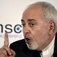 Le ministre iranien des Affaires étrangères, Mohammad Javad Zarif, lors de la conférence de Munich sur la sécurité, le 15 février 2020. (Crédit : AP Photo / Jens Meyer)