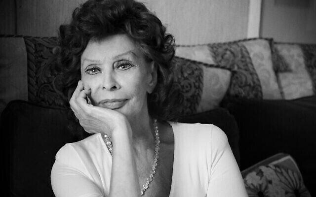 La star de cinéma emblématique Sophia Loren, qui sera honorée par l'école de cinéma Sam Spiegel de Jérusalem lors d'un prochain événement de remise des diplômes le 22 février 2021. (Autorisation : Edoardo Ponti)