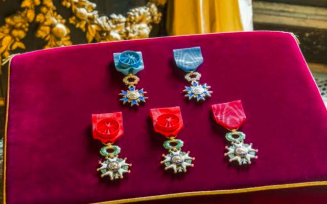 Illustration de médailles de la Légion d'honneur. (Crédit : legiondhonneur.fr)