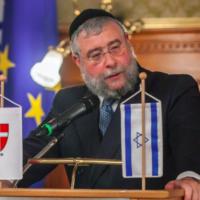 Le grand rabbin Pinhas Goldschmidt, président de la Conférence des rabbins européens. (Crédit : Conference of European Rabbis / Facebook)