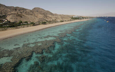 Une plage de corail de la mer Rouge, Eilat, le 29 mai 2009. (Anna Kaplan/Flash90)