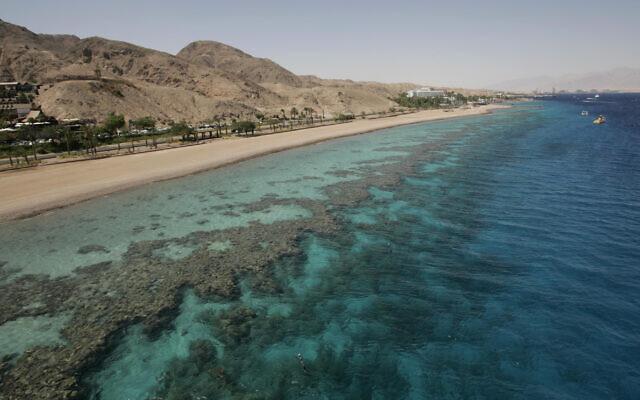 Une plage de corail de la mer Rouge, Eilat, le 29 mai 2009. (Anna Kaplan/Flash90)