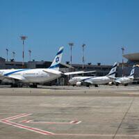 Des avions d'El Al stationnés à l'aéroport international Ben Gurion, le 8 août 2020. (Olivier Fitoussi/FLASH90)
