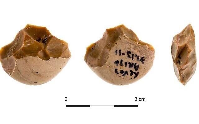 Outils tranchants en silex du site préhistorique de Revadim, à l'est d'Ashdod. (Autorisation : Prof. Ran Barkai / Université de Tel Aviv)
