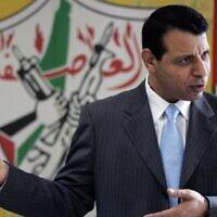 Mohammed Dahlan lors d'un entretien avec l'Associated Press dans son bureau de Ramallah, en Cisjordanie, le 3 janvier 2011. (AP Photo/Majdi Mohammed, File)