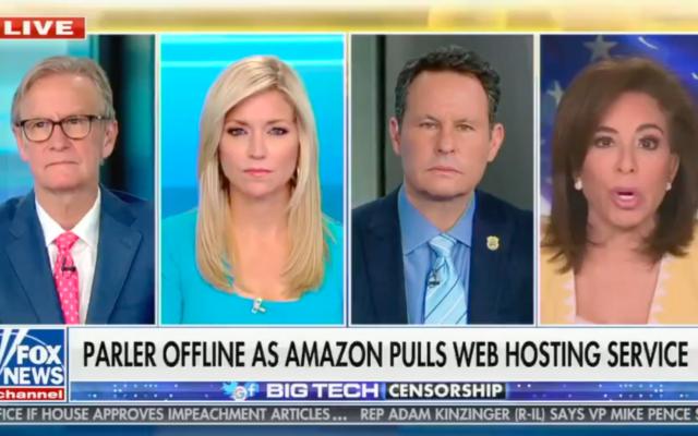 Jeanine Pirro, à droite, faut une comparaison avec la nuit de Cristal sur Fox News. (Capture d'écran)
