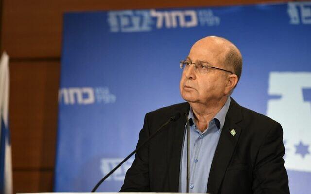 Moshe Yaalon, membre du parti Kakhol lavan, lors d'un événement de campagne, le 18 mars 2019. (Kakhol lavan)