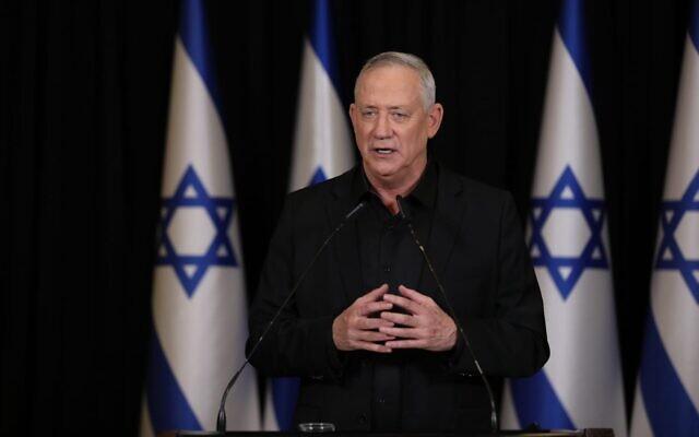 Le leader de Kakhol lavan, Benny Gantz, lors d'un discours prononcé le 11 janvier 2021. (Crédit : Elad Malka)