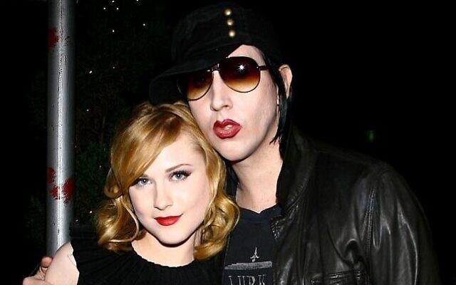 """Le musicien Marilyn Manson et l'actrice Evan Rachel Wood  lors d'une fête organisée après une projection spéciale de  """"Across The Universe"""" à Bette, à New York City, le 13 septembre 2007. (Crédit : Scott Wintrow / GETTY IMAGES NORTH AMERICA / AFP)"""