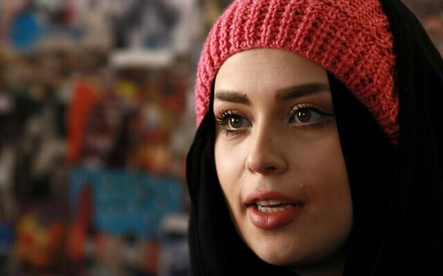La maquilleuse jordanienne Alaa Bliha, 27 ans, à Amman, le 2 février 2021. (Crédit : AFP)
