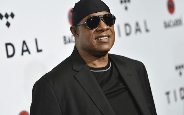 Stevie Wonder assiste au 3e concert caritatif annuel de TIDAL X: Brooklyn, à New York, le 17 octobre 2017. (Evan Agostini / Invision / AP)