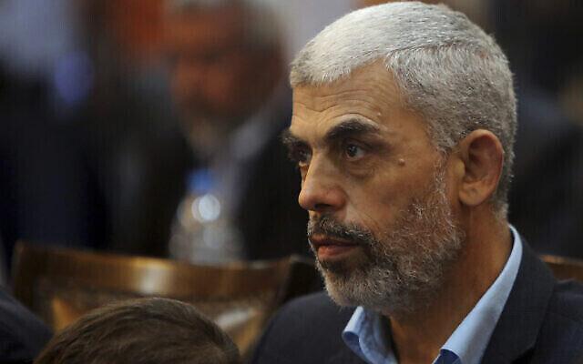 Yahya Sinwar, le plus haut responsable du Hamas dans la bande de Gaza, dans la ville de Gaza, le 1er mai 2017. (Adel Hana / AP)