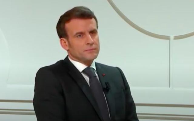 Emmanuel Macron lors d'une interview avec le think-tank Atlantic Council, le 4 février 2021 (Crédit : capture d'écran YouTube)