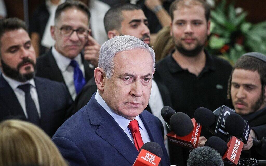 Le Premier ministre Benjamin Netanyahu s'adresse aux médias à la Knesset à Jérusalem le 29 mai 2019. Netanyahu a forcé la dissolution de la Knesset cette nuit-là, après qu'il soit devenu évident qu'il ne pouvait pas obtenir le soutien d'Avigdor Liberman et ne pouvait donc pas former une coalition majoritaire. (Yonatan Sindel/Flash90)