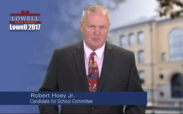Bob Hoey, membre du comité de l'école Lowell (Capture d'écran de YouTube via JTA)