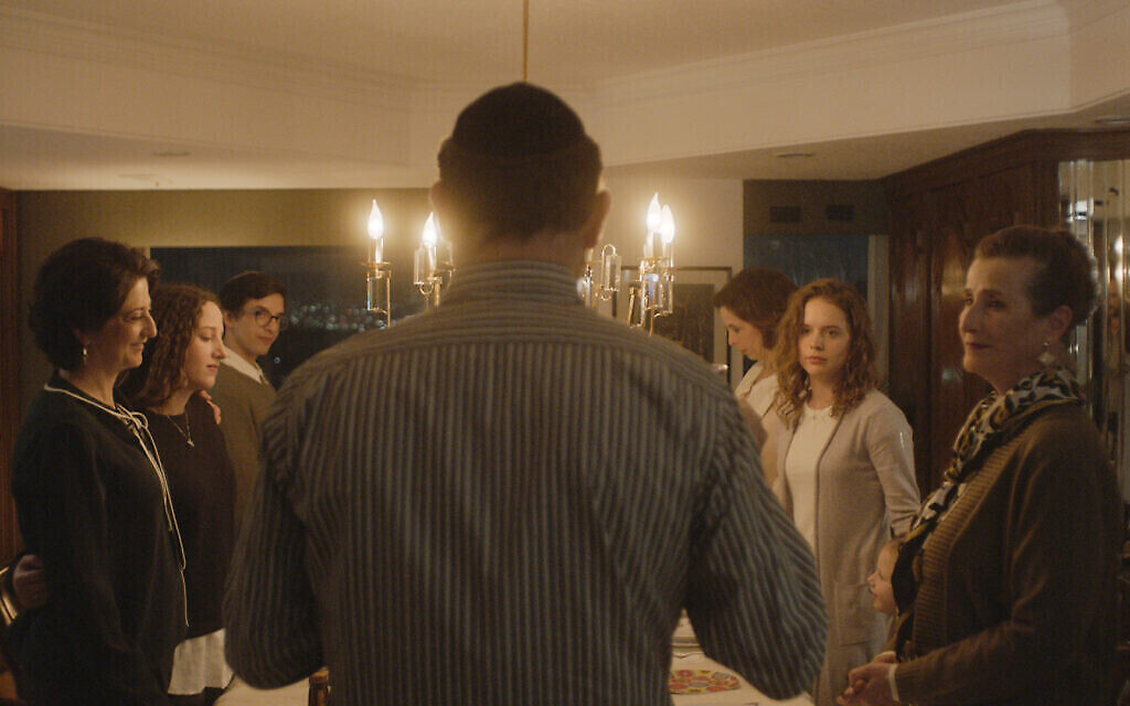 """Une image de """"Leona"""", un film réalisé par Isaac Cherem. (Crédit : Diana Garay, Autorisation : Fosforescente/ Menemsha Films)"""
