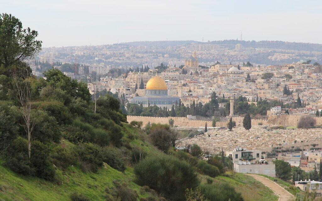 Jérusalem, vue d'Emek Tzurim. (Crédit : Aviva et Shmuel Bar-Am)