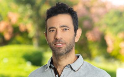 Le Professeur Yossi Yovel. (Crédit : Université de Tel Aviv)