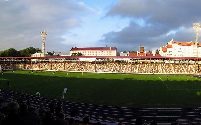 Le stade de Ternopil, en 2009. (Crédit : CC BY-SA 3.0)