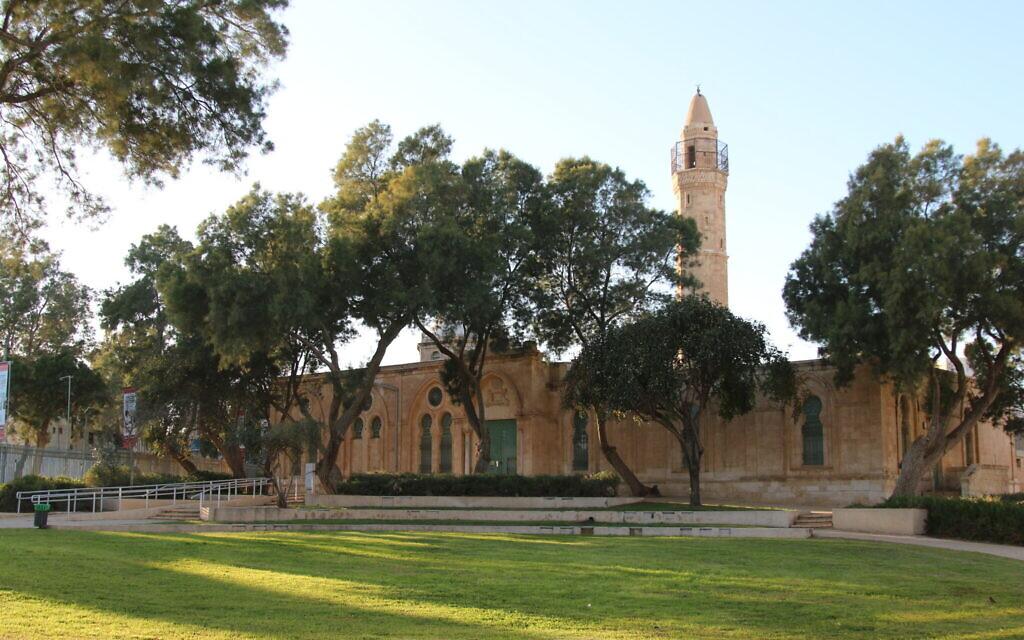 Le Musée de l'Islam et de l'Extrême-Orient est installé dans une ancienne mosquée de Beer Sheva. (Shmuel Bar-Am)